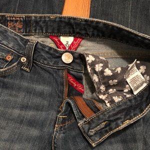 Women's Lucky Brand Jeans.